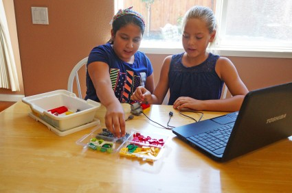 WeDO Lego creations and lessons for kids.